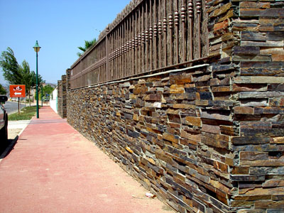 Minardoises parement de mur stone work - Pose pierre de parement exterieur ...