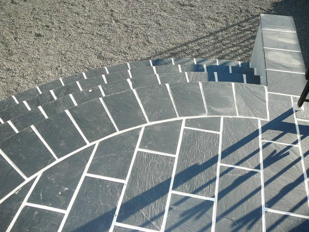 Minardoises  Escalier, terasse extérieure en ardoise